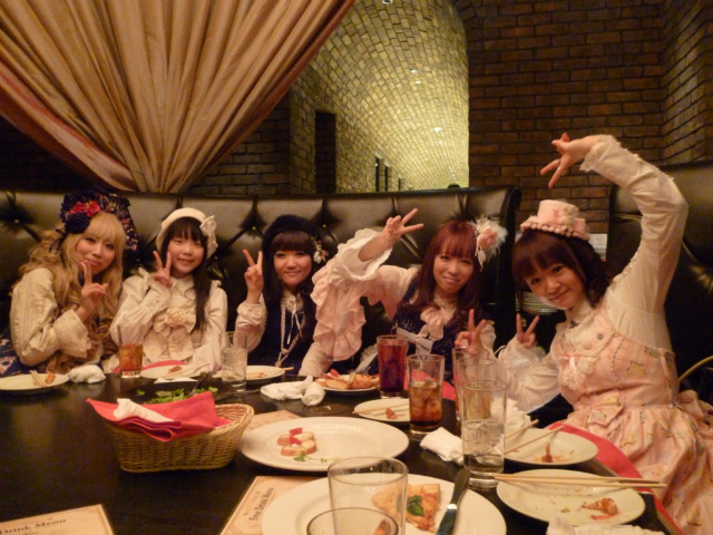Shopping and Tea party with Gothic, Lolita and Punks 1