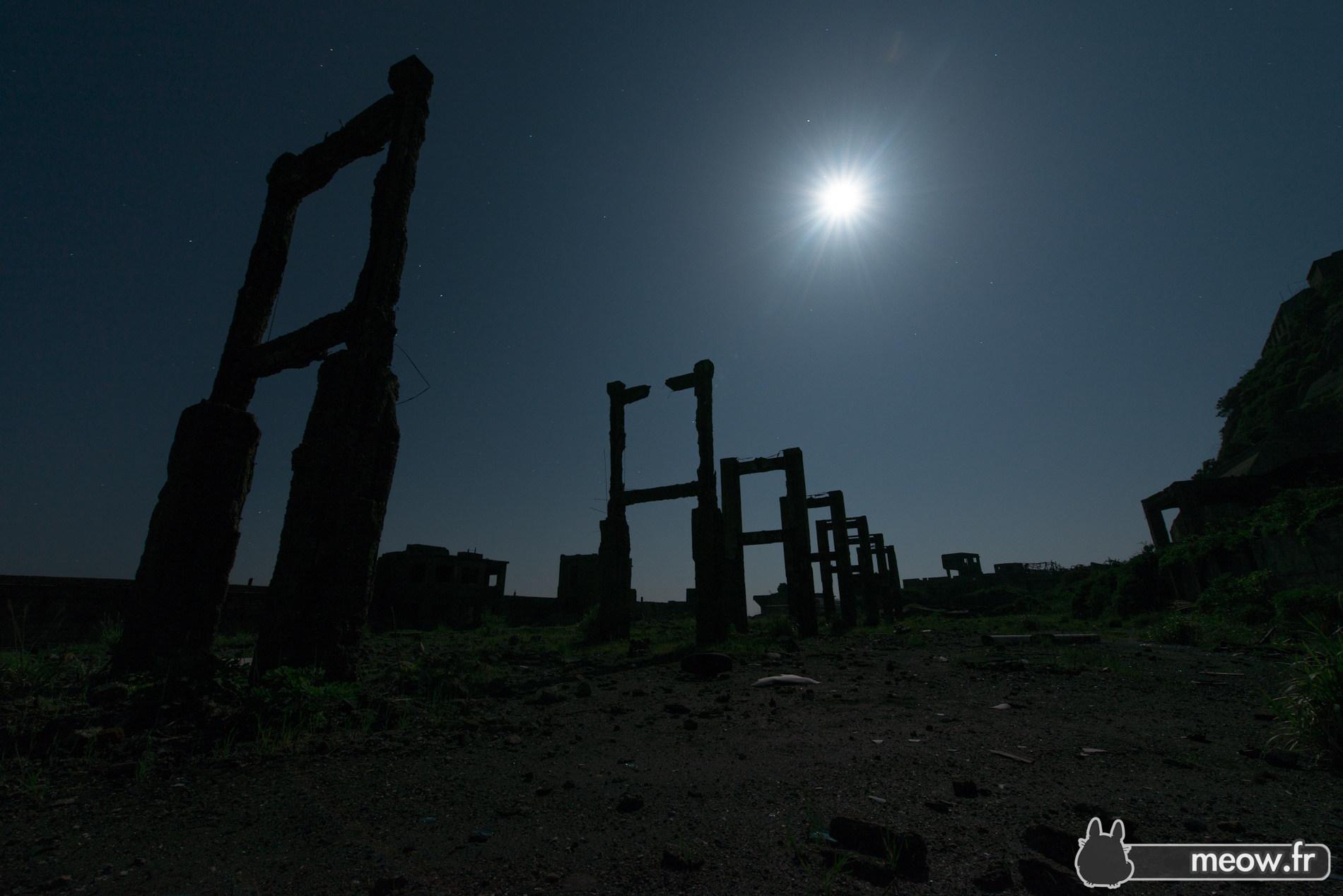 Gunkanjima Moonlight