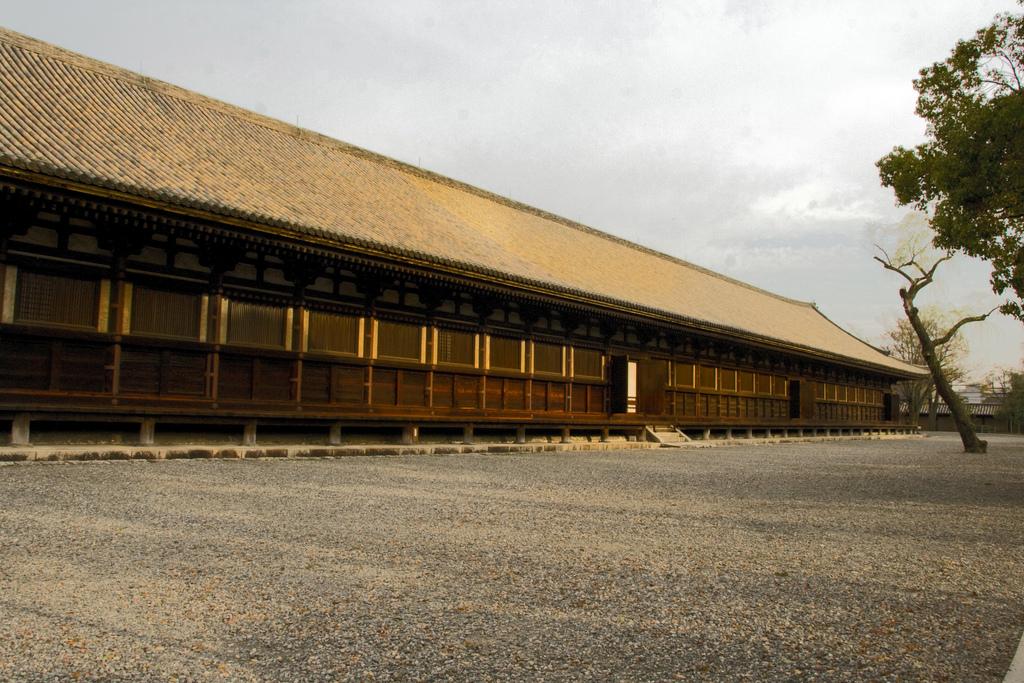 temple 2 Sanjusangen-do
